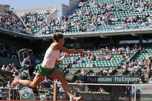 Andrea Petkovicová počas semifinále Roland Garros proti Simone Halepovej.