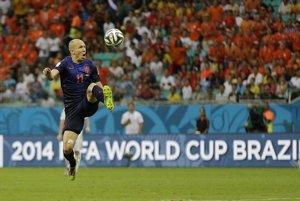 Arjen Robben strelil Španielom dva góly.
