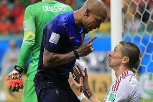 Arjen Robben (vľavo) a Fernando Torres.