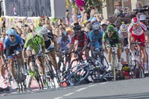 Peter Sagan má v súťaži o zelený dres veľký náskok. Špurt v prvej etape poznačil pád.