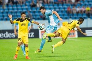 Slovan doma po Žofčákovej penalte vyhrával nad Šerifom Tiraspoľ 1:0.
