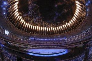 Otvárací ceremoniál využíval aj rôzne efekty a ohňostroje.