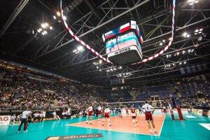Záverečný prípravný zápas Slovenska pred odchodom na majstrovstvá Európy proti Poľsku sa hral na Zimnom štadióne Ondreja Nepelu.