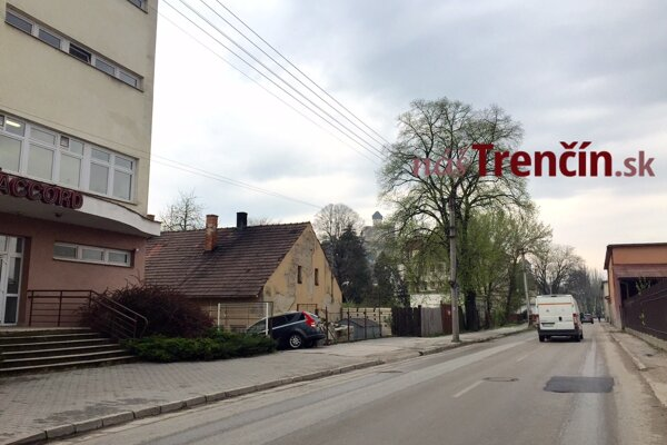 Železničná ulica v Trenčíne.