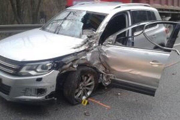 Hasiči zo Žiliny mali rušné ráno, zasahovali pri dvoch nehodách.