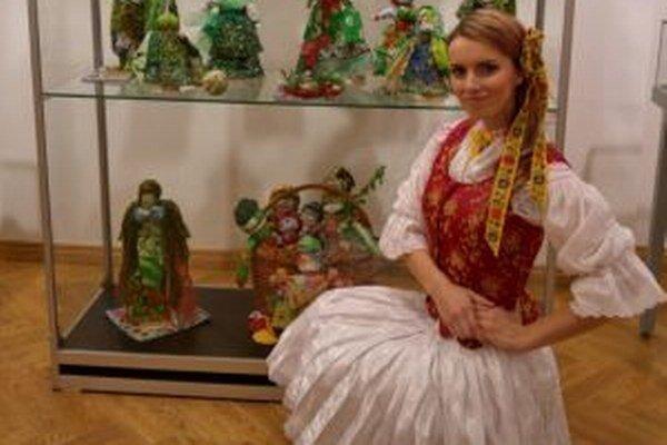 V Tule navštívila výstavu handrových bábik, ktoré mali zaujímavú techniku viazania - bez použitia ihly a šitia.