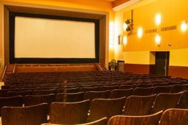 Mestá chcú zachrániť svoje kiná.