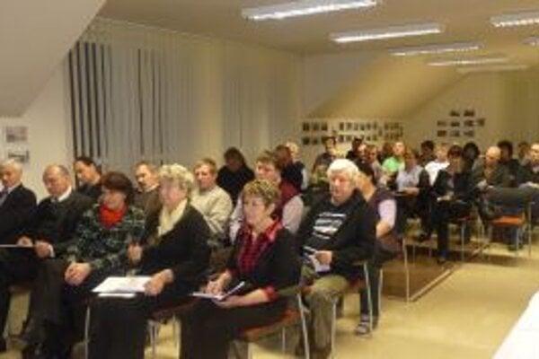 V Skalitom rokovali poslanci troch obcí združených v Mikroregióne Kysucký triangel.