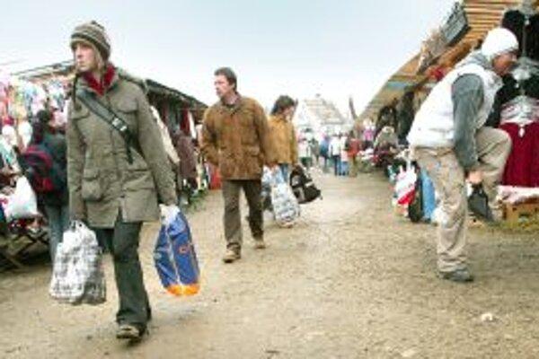 Slováci chodia za nákupmi do Poľska, cukrovinky si teda mohli kúpiť aj za hranicou.
