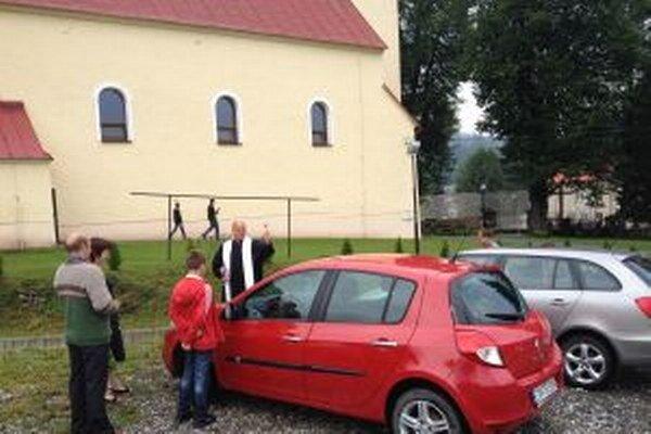 Požehnávanie áut má vo Vysokej už niekoľkoročnú tradíciu.