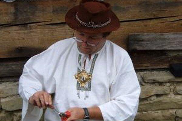 Dnes ožije Múzeum kysuckej dediny vo Vychylovke drotárskym remeslom.