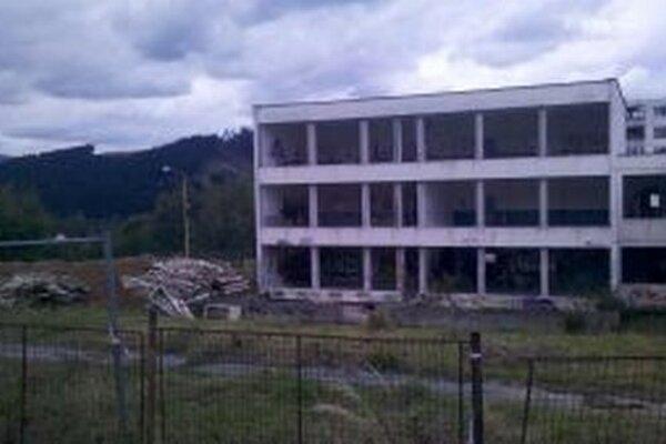 Bývalá materská škola na Kýčerke sa má čoskoro premeniť na nájomný bytový dom.