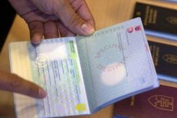 Česi a Slováci si chcú urobiť jasno o štátnom občianstve obyvateľov bývalej ČSFR.