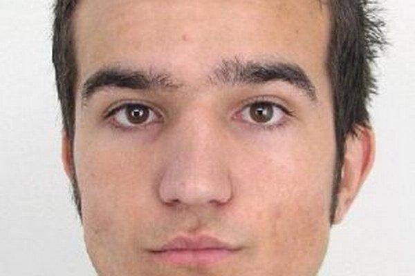 Dvadsaťštyriročný Július Riečičiar je nezvestný od 30. mája, keď ho naposledy videli o 9. hodine v meste Čadca.