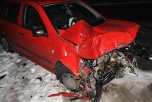 Pri dopravnej nehode k zraneniu osôb nedošlo. Na vozidlách vznikla škoda predbežne za 2 500 €.