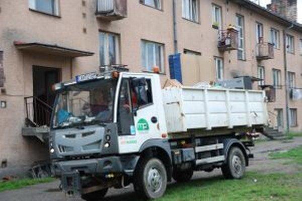 Na  Moyzesovej ulici v Čadci doposiaľ deložovali 14 nájomných bytov.
