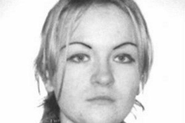Od mája 2010 pátrala polícia po 31-ročnej Turzovčanke, ktorá zanedbávala povinnú výživu. Okresný súd zrušil príkaz na jej zatknutie.