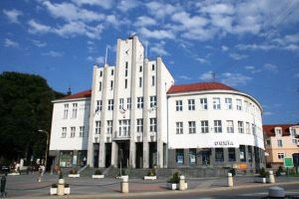 Mesto Čadca plánuje v roku 2016 spustiť nový elektronický systém.