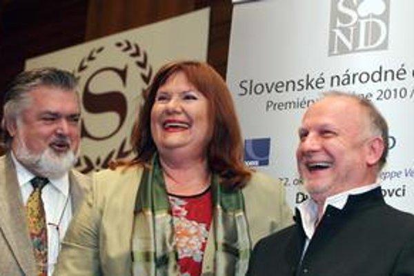 Eva Marton na tlačovej konferencii s Petrom Dvorským a riaditeľom SND Ondrejom Šothom.