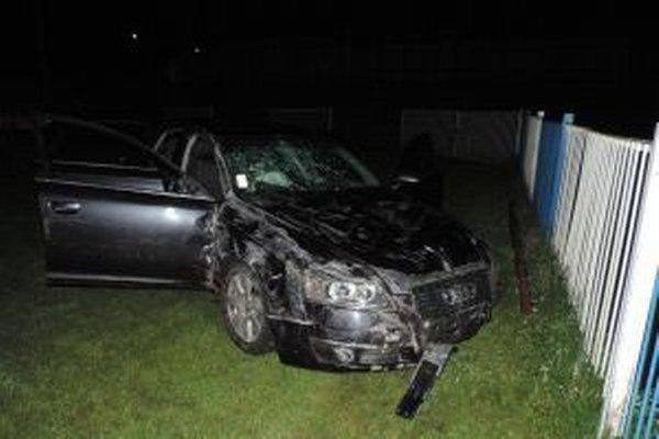 Vodičovi, ktorý spôsobil dopravnú nehodu vo Svrčinovci, namerali 2,27 promile alkoholu.
