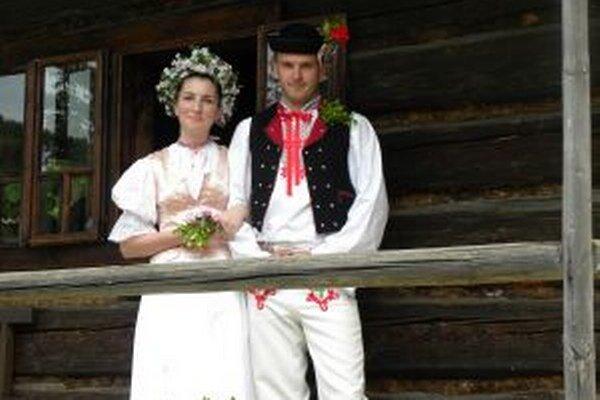 Návštevníci kysuckého skanzenu si budú môcť dnes pozrieť pravú kysuckú svadbu.