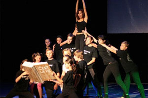 Dva projekty sa týkajú aj detského divadelného súboru EVA.