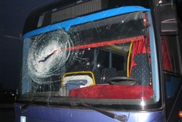 Pri nehode sa zranila 50-ročná žena.