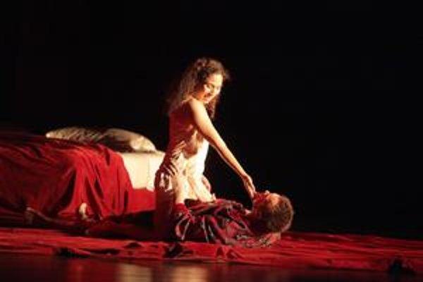 Kolumbijčanka Juanita Lascarro ako Poppea s Poliakom Jacekom Laszczkowskim v úlohe Nera.