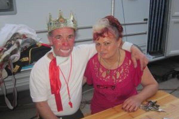 Albert Třiška spolu s manželkou Evou, ktorá mala byť učiteľkou telocviku.
