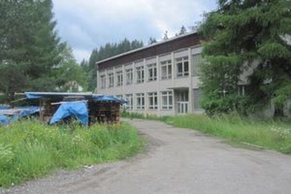 Budova je v súčasnosti prázdna a chátra. Čoskoro v nej však pribudne deväť bytov.