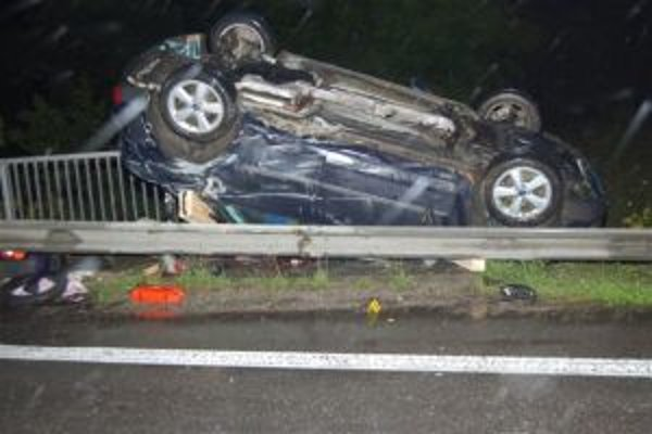 Nehôd na ceste I/11 v časti Oškerda stále pribúda. Táto skončila, žiaľ, tragicky.