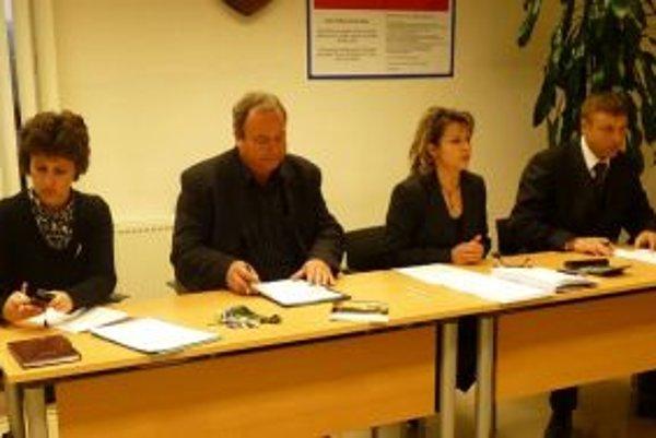 V Mikroregióne Kysucký triangel fungujú obce Skalité, Čierne a Svrčinovci. Starostovia sprava Juraj Strýček, Andrea Šimurdová a Pavol Gomola  sa stretli na rokovaní aj v utorok 24. januára.