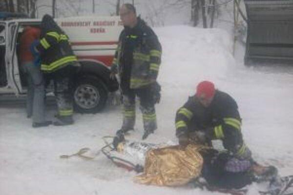 Hasičom sa podarilo zachrániť život 16-ročnému dievčaťu