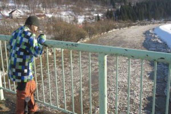Oteplenie spôsobilo uvolnenie ľadochodov, ktoré niekoľko dní strašili obyvateľov kysuckých obcí.