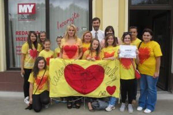 Vďaka vašim hlasom získali mažoretky od žilinského župana Juraja Blanára 2000 eur.