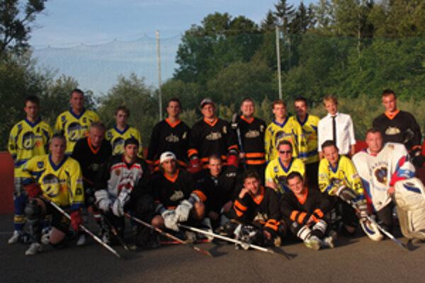 Finálový zápas 9. ročníka Panthers Cupu odohrali Dream Team a HBK. Z titulu sa nakoniec tešili hráči Dream Teamu.