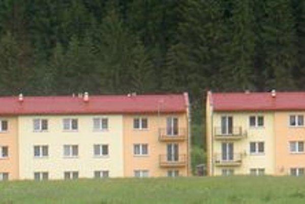 K už existujúcim 113 bytom, ktoré v obci postavili od roku 2004, pribudne v auguste ďalších 42.