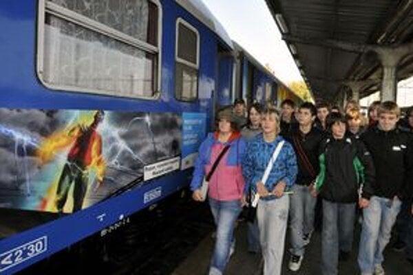 Na púť môže vlakom každý.