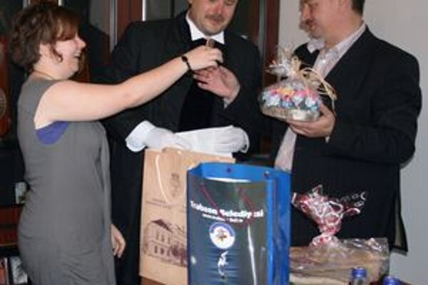 Medzinárodná návšteva priniesla so sebou do Čadce aj niekoľko darčekov.