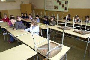 Pre chrípku školy zívajú prázdnotou.