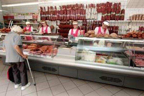 Neďaleké mestá v Česku ponúkajú široký sortiment a aj nižšie ceny.