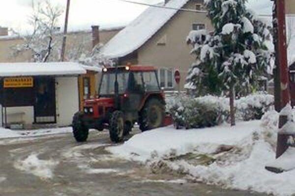 Kysucké obce sú na snehovú nádielku pripravené.