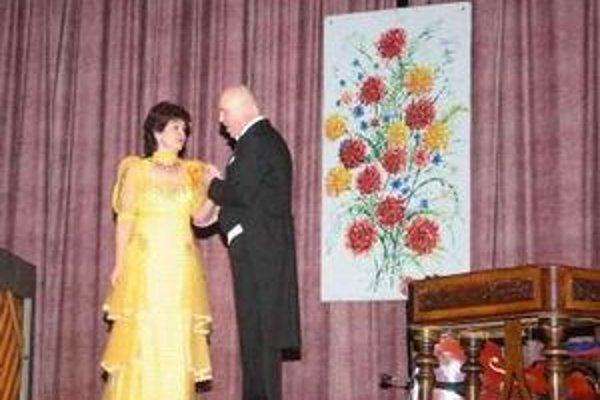 Janka Hoštáková s manželom spríjemnila sobotný večer spevom.