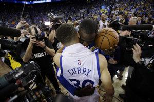 30319ecc21418 Na Curryho výnimočné schopnosti sa tím Warriors bude spoliehať aj v play  off.