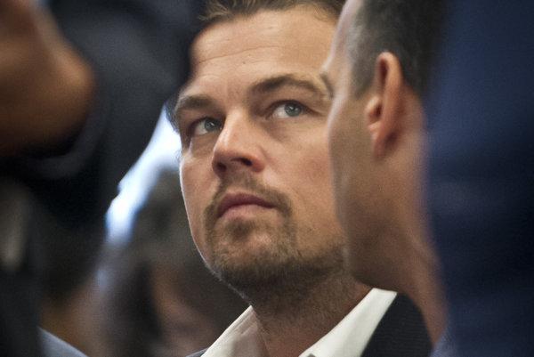 Leonardo DiCaprio počul o škandále v nemeckej automobilke.
