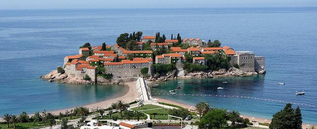 Sveti Stefan v Čiernej hore je dnes exkluzívne hotelové mestečko.