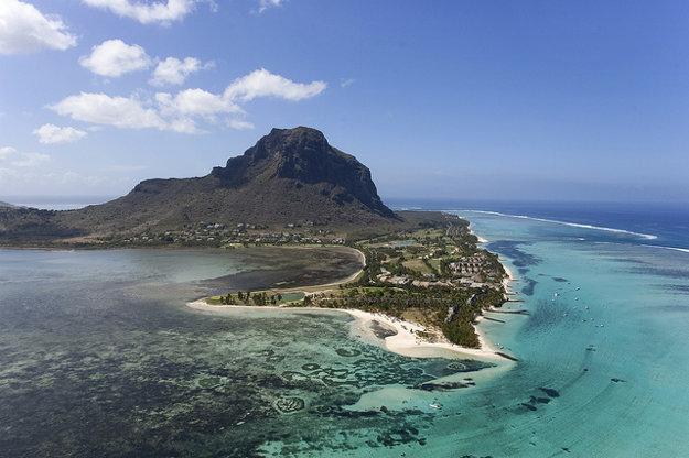 Polostrov Le Morne Brabant je najzápadnejším cípom tropického ostrova Maurícius.