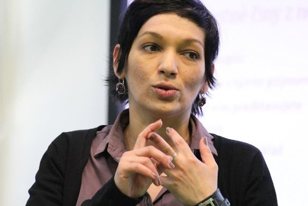 Irena Bihariová.