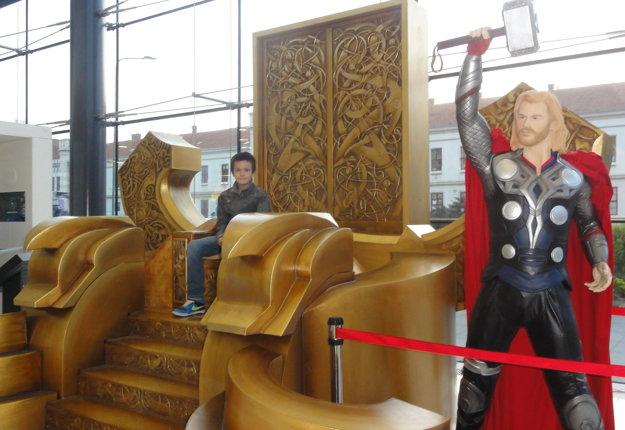 Thor a jeho trón