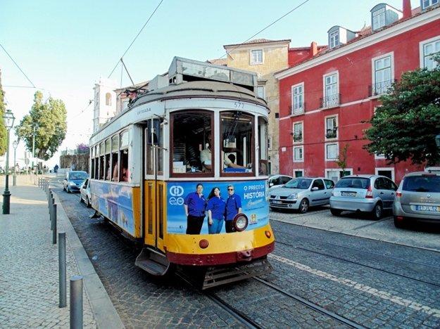 Medzi turistami najobľúbenejší spôsob dopravy je električka.